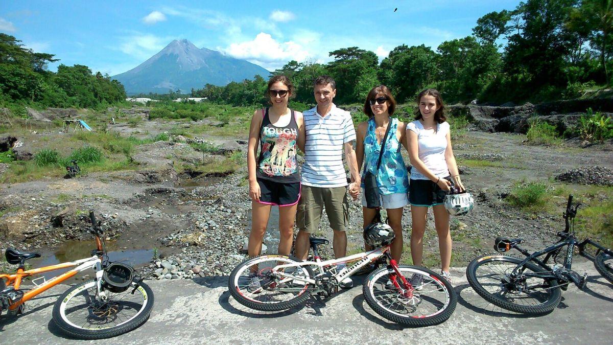 Paket Wisata Sepeda Agi Tour Jogja Treasure Your Adventure